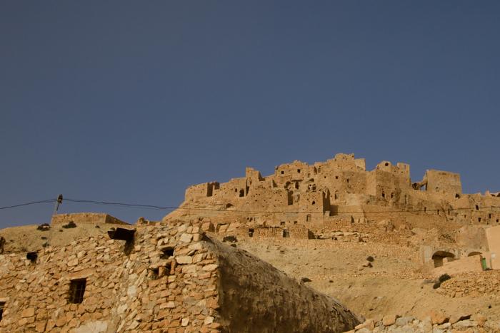 La città di Chenini arroccata su una collina.